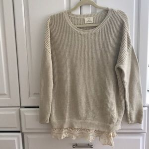 Light weight sweater with lace detailing on bottom
